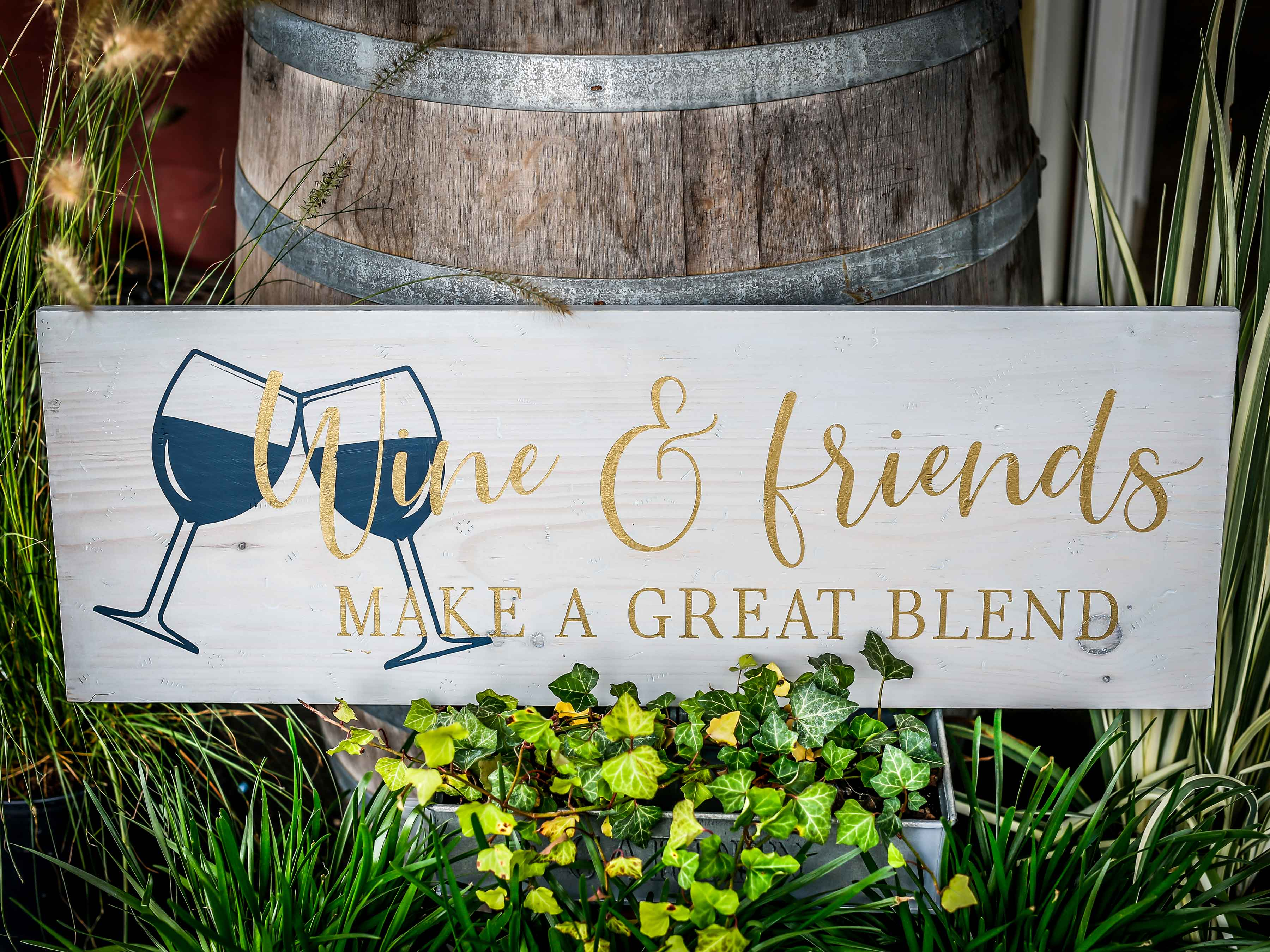 Wine and Friends, 11×32