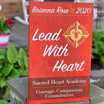 Sacred Heart – Graduation Sign 11×18